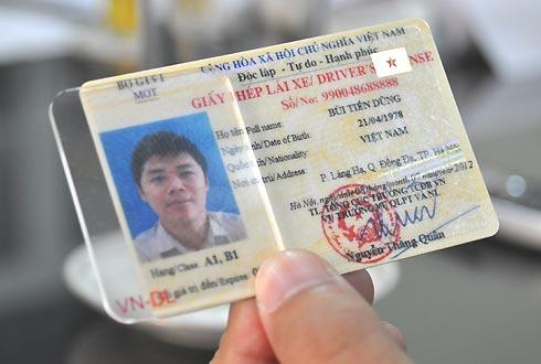 đổi giấy phép lái xe ô tô sang mẫu mới